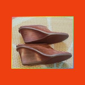 COLE HAAN LIKE NEW 8AA MULES CLOGS BROWN SUEDE